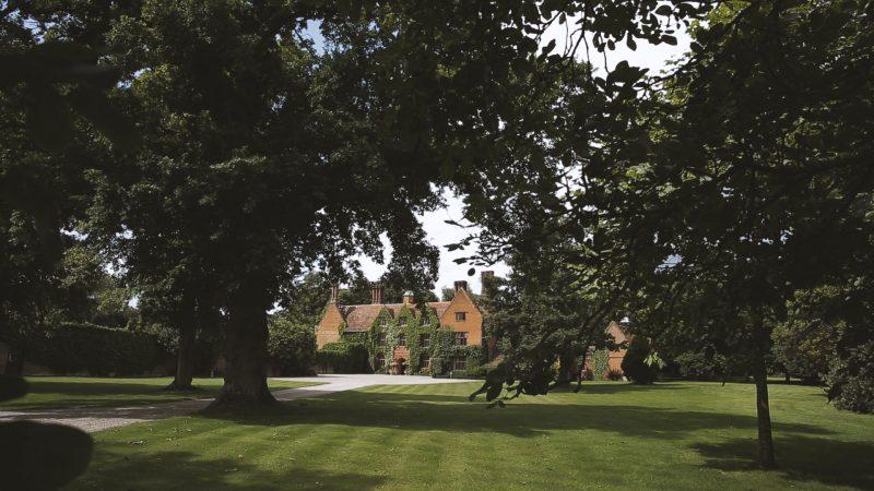 Nicola + David || Woodhall Manor